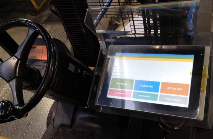 Rileva su muletto con Touch Screen Wifi ed RFID sulle forche